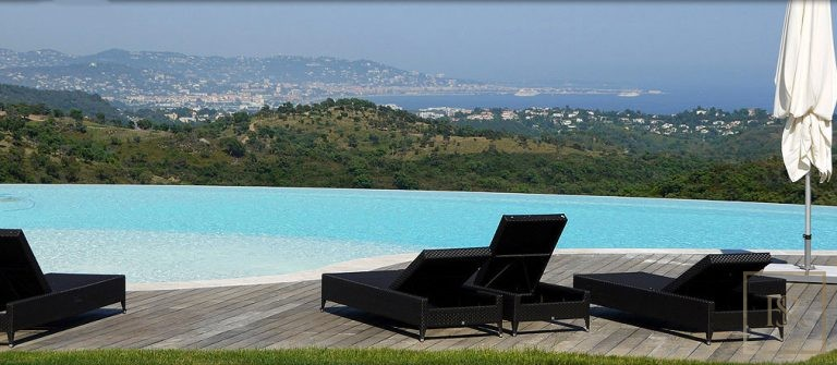 For super rich villa Fréjus France for sale French riviera