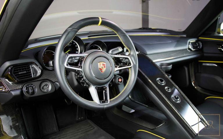 2015 Porsche 918 SPYDER 887 HP for sale For Super Rich