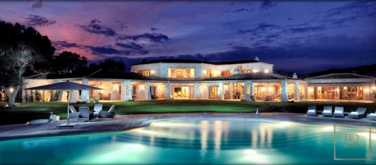 For super rich luxury villa Fréjus France for sale French riviera