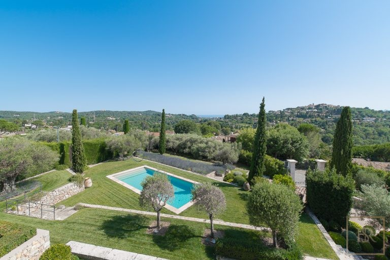 For super rich luxury villa Mougins France for sale French riviera