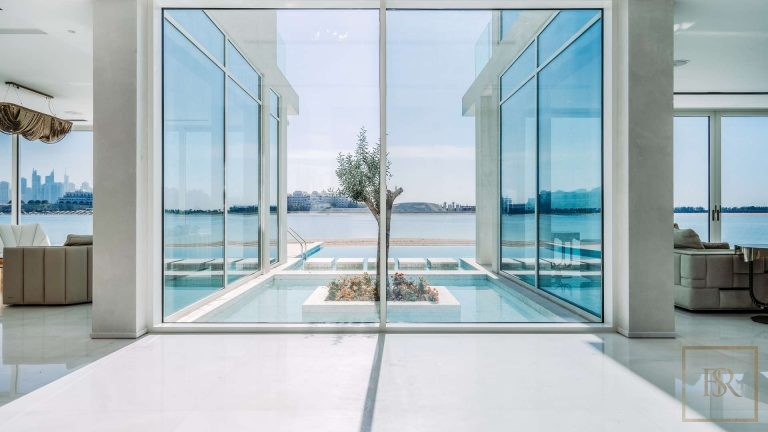Villa Ultimate Signature - Palm Jumeirah, Dubai, UAE value for sale For Super Rich
