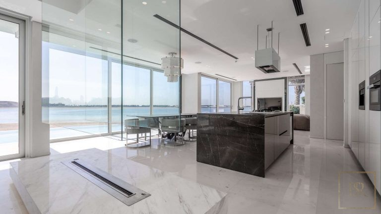 Villa Ultimate Signature - Palm Jumeirah, Dubai, UAE top for sale For Super Rich