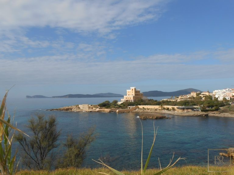 1880 House - Sardinia Alghero, Italy photo for sale For Super Rich