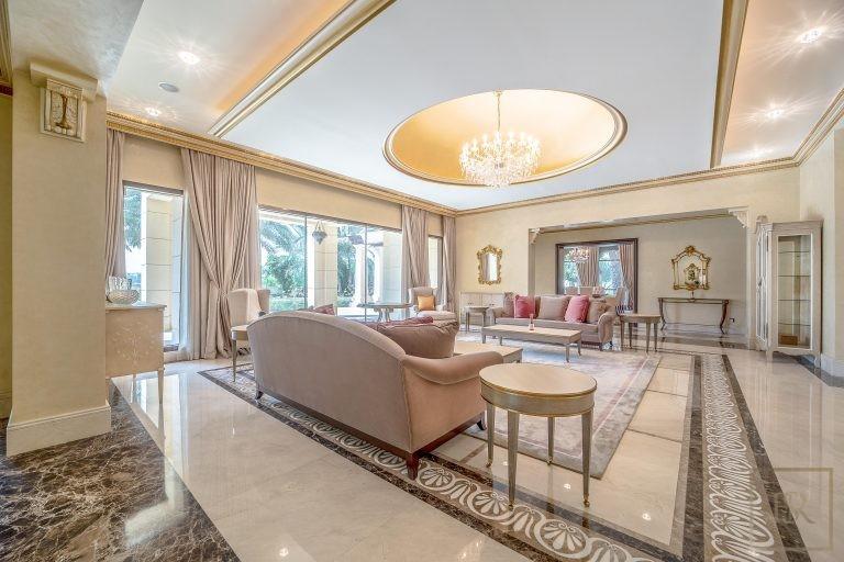 Villa Palatial Emirates Hills - Dubai, UAE buy for sale For Super Rich