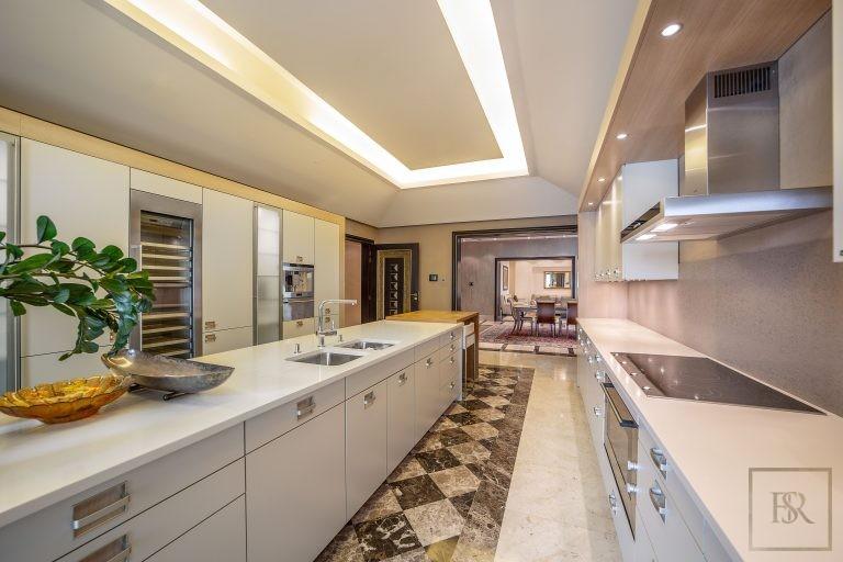 Villa Palatial Emirates Hills - Dubai, UAE property for sale For Super Rich