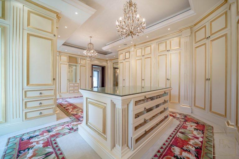 Villa Palatial Emirates Hills - Dubai, UAE value for sale For Super Rich