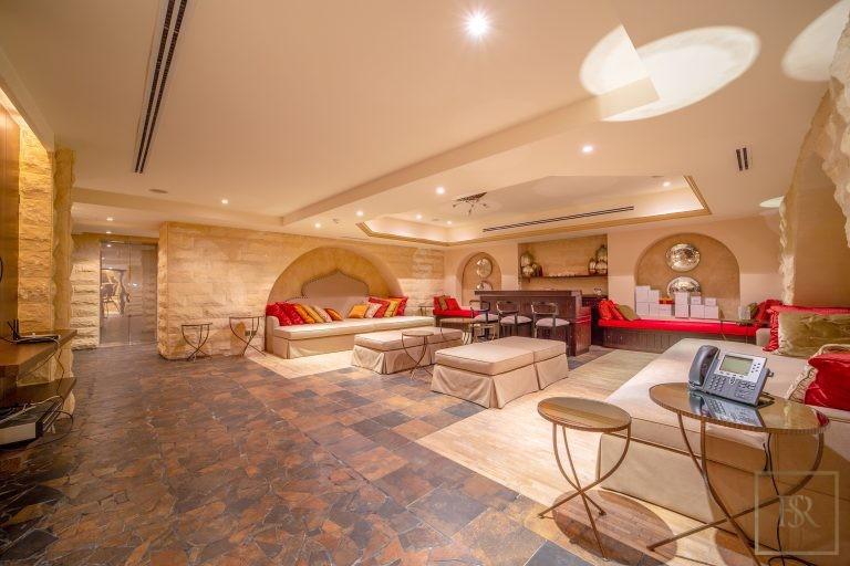 Villa Palatial Emirates Hills - Dubai, UAE luxury for sale For Super Rich