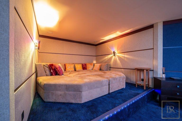 Villa Palatial Emirates Hills - Dubai, UAE expensive for sale For Super Rich