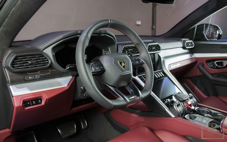 used Lamborghini URUS for sale luxury car