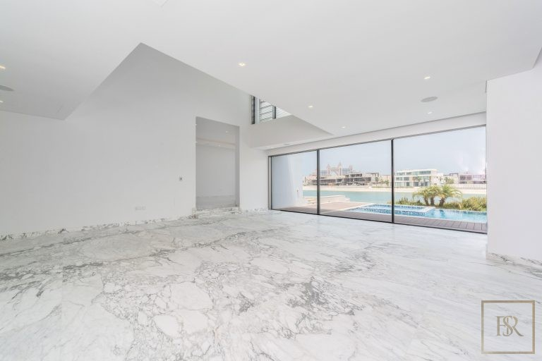 Villa Signature Beachfront Palm Jumeirah - Dubai, UAE available for sale For Super Rich