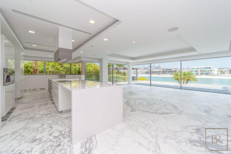 Villa Signature Beachfront Palm Jumeirah - Dubai, UAE New for sale For Super Rich