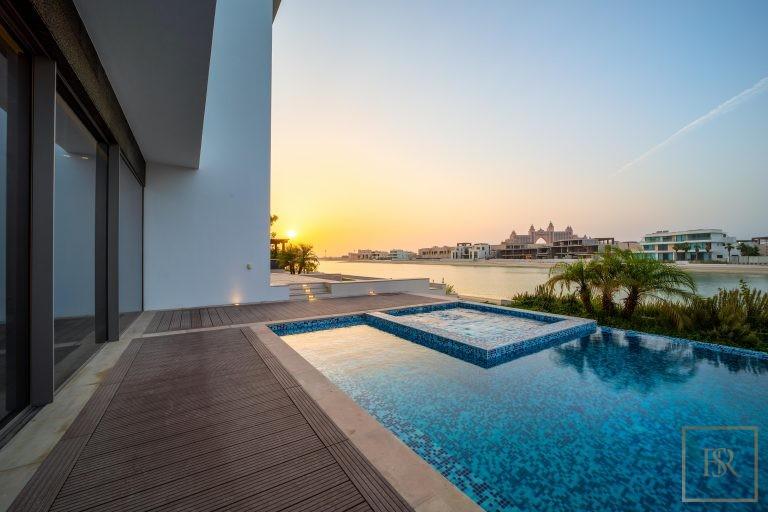 Villa Signature Beachfront Palm Jumeirah - Dubai, UAE deal for sale For Super Rich