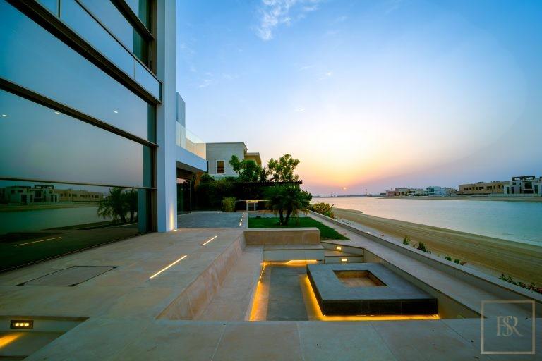 Villa Signature Beachfront Palm Jumeirah - Dubai, UAE top for sale For Super Rich