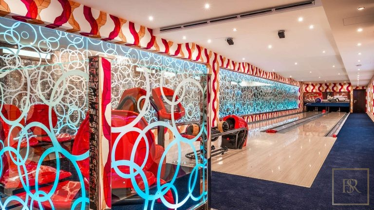 Villa L Sector - Emirates Hills, Dubai, UAE exclusive for sale For Super Rich