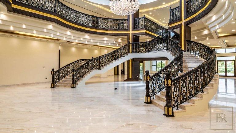 Villa L Sector - Emirates Hills, Dubai, UAE value for sale For Super Rich
