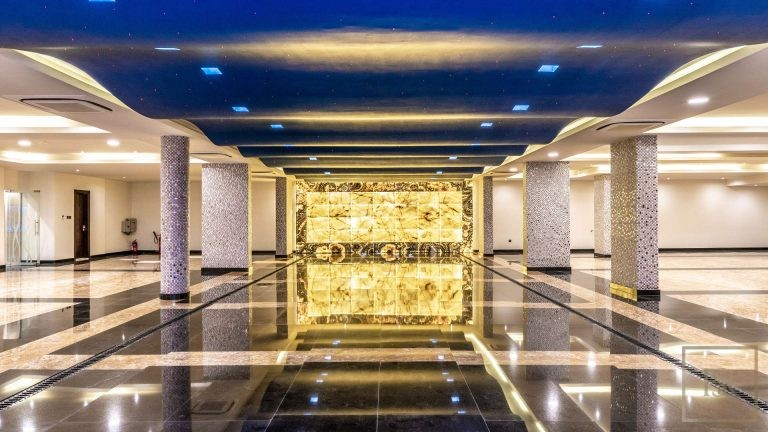 Villa L Sector - Emirates Hills, Dubai, UAE ads for sale For Super Rich