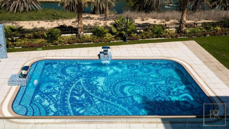 Villa L Sector - Emirates Hills, Dubai, UAE photo for sale For Super Rich