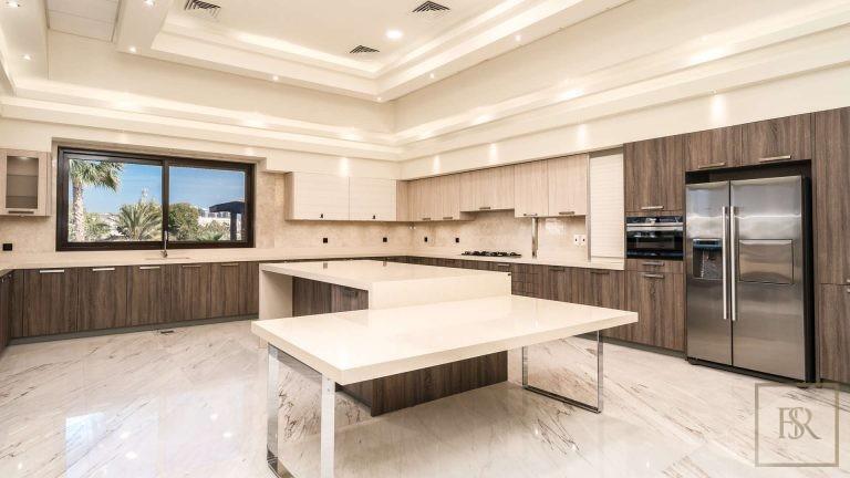 Villa L Sector - Emirates Hills, Dubai, UAE luxury for sale For Super Rich