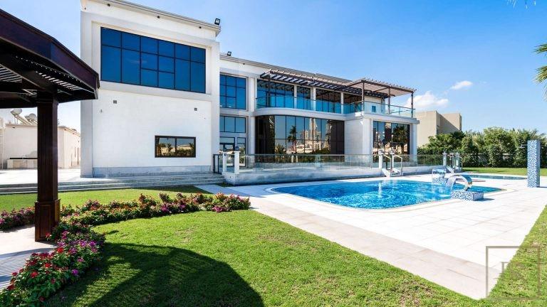 Villa L Sector - Emirates Hills, Dubai, UAE property for sale For Super Rich