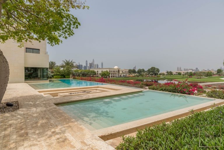 Villa High-end 7 bedrooms Emirates Hills - Dubai, UAE Classified ads for sale For Super Rich
