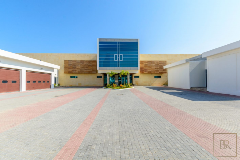 Villa Signature Majestic - Palm Jumeirah, Dubai, UAE top for sale For Super Rich