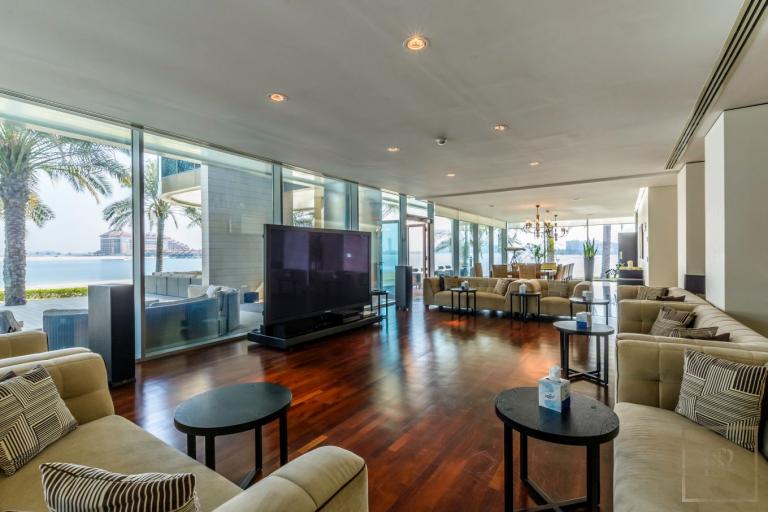 Villa Signature Majestic - Palm Jumeirah, Dubai, UAE available for sale For Super Rich