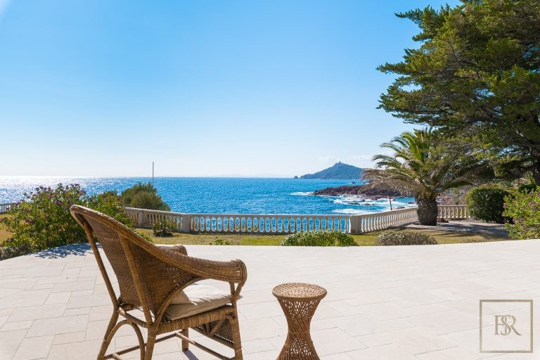 Luxury home, house, villa, property Anthéor France for sale French riviera