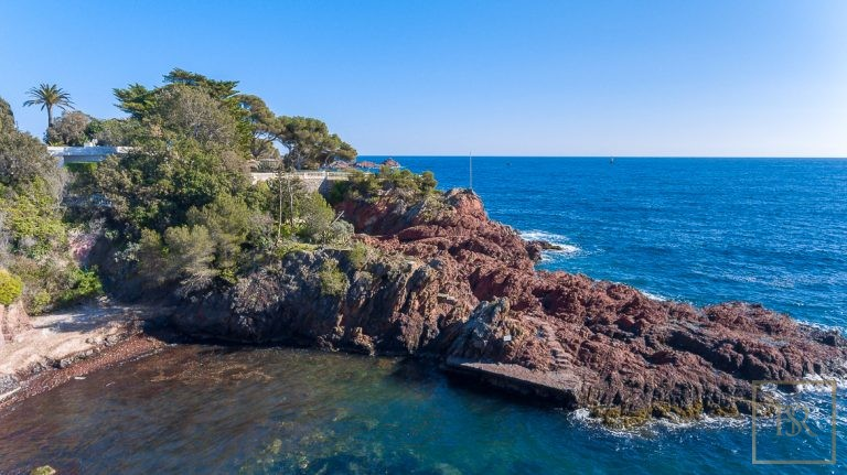 Ultra luxury property Anthéor France for sale French riviera