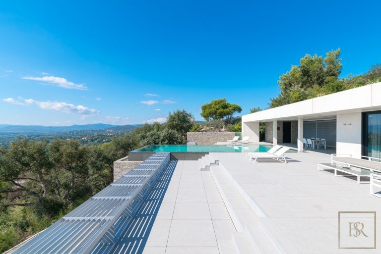 For super rich ultra luxury Villa Grimaud France for sale French riviera