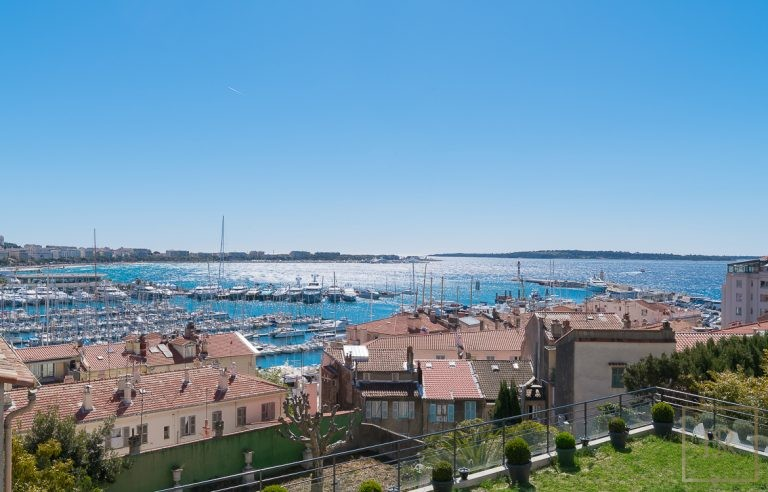 For super rich luxury villa Cannes France for sale French riviera