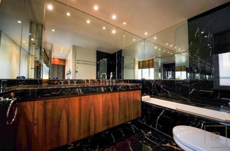 For super rich ultra luxury Villa Monte-Carlo Monaco for sale