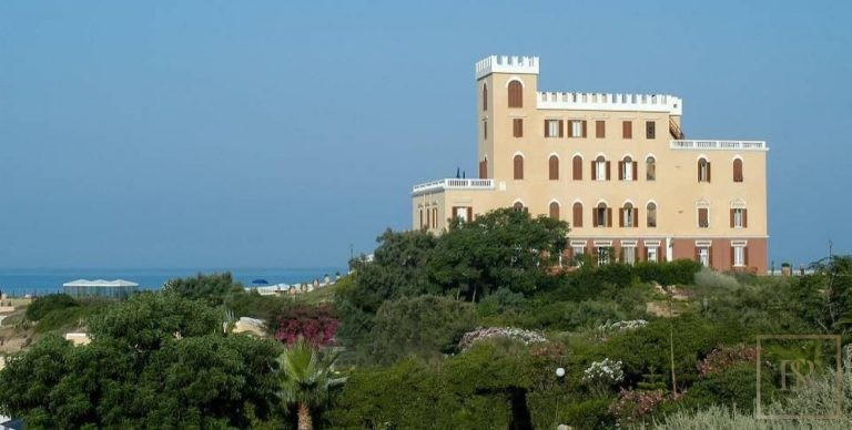 1880 House - Sardinia Alghero, Italy Used for sale For Super Rich