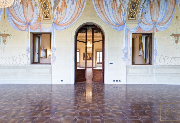 1427 Castle Tuscany - Florence, Italy search for sale For Super Rich