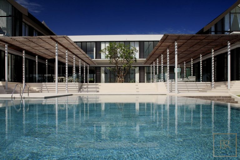For super rich buy ultra luxury villa Phuket Thailand for sale