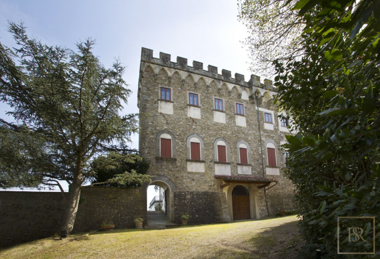 1427 Castle Tuscany - Florence, Italy top for sale For Super Rich