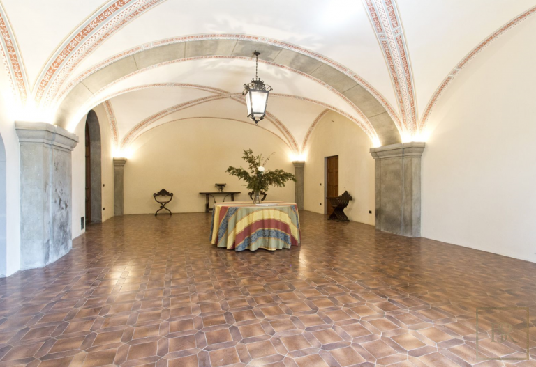 1427 Castle Tuscany - Florence, Italy luxury for sale For Super Rich
