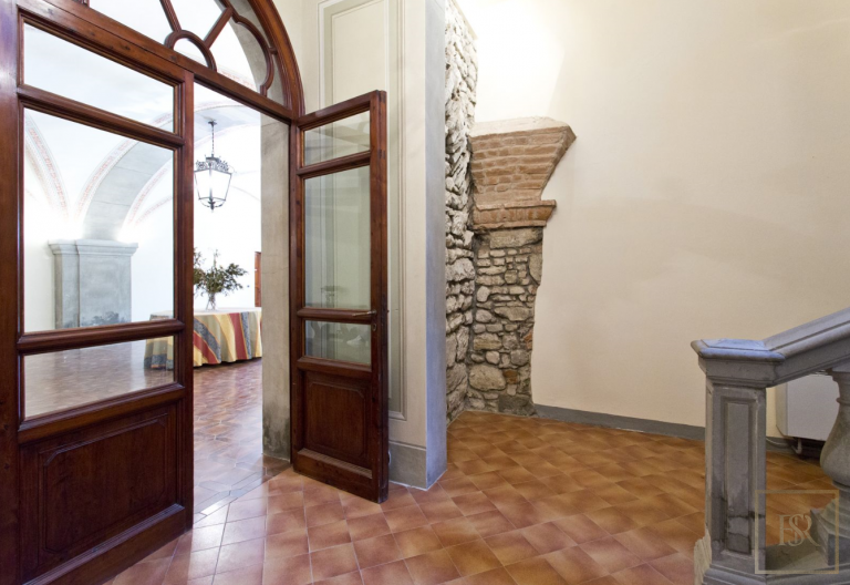 1427 Castle Tuscany - Florence, Italy expensive for sale For Super Rich