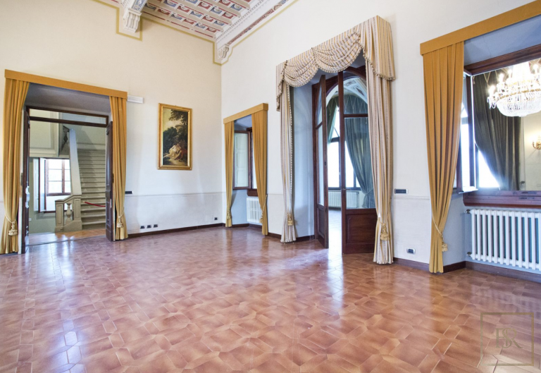 1427 Castle Tuscany - Florence, Italy unique for sale For Super Rich