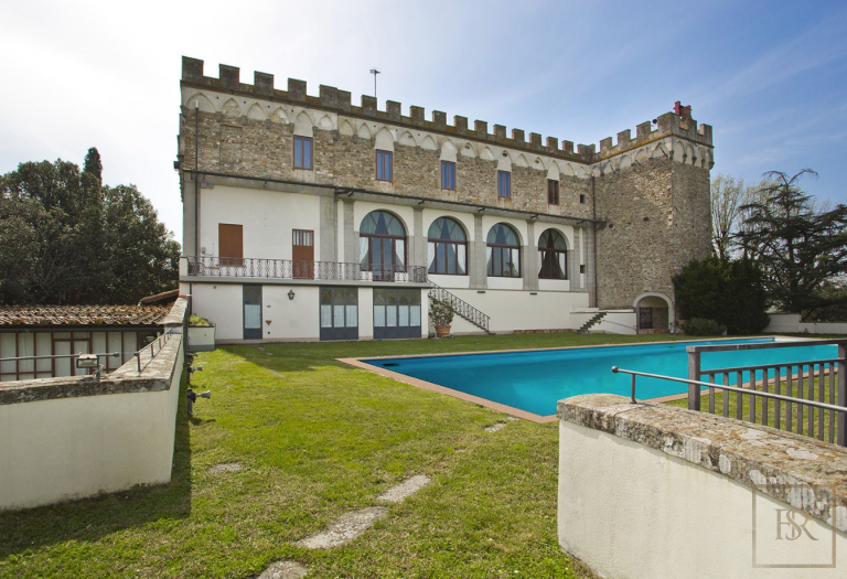1427 Castle Tuscany - Florence, Italy Used for sale For Super Rich