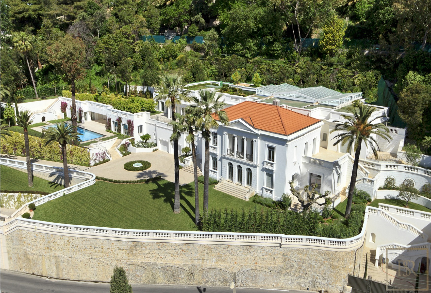 For super rich ultra luxury real estate properties homes, most expensive houses, rent unique penthouse apartment and ultimate villa in Le Cannet France for rent holiday French riviera