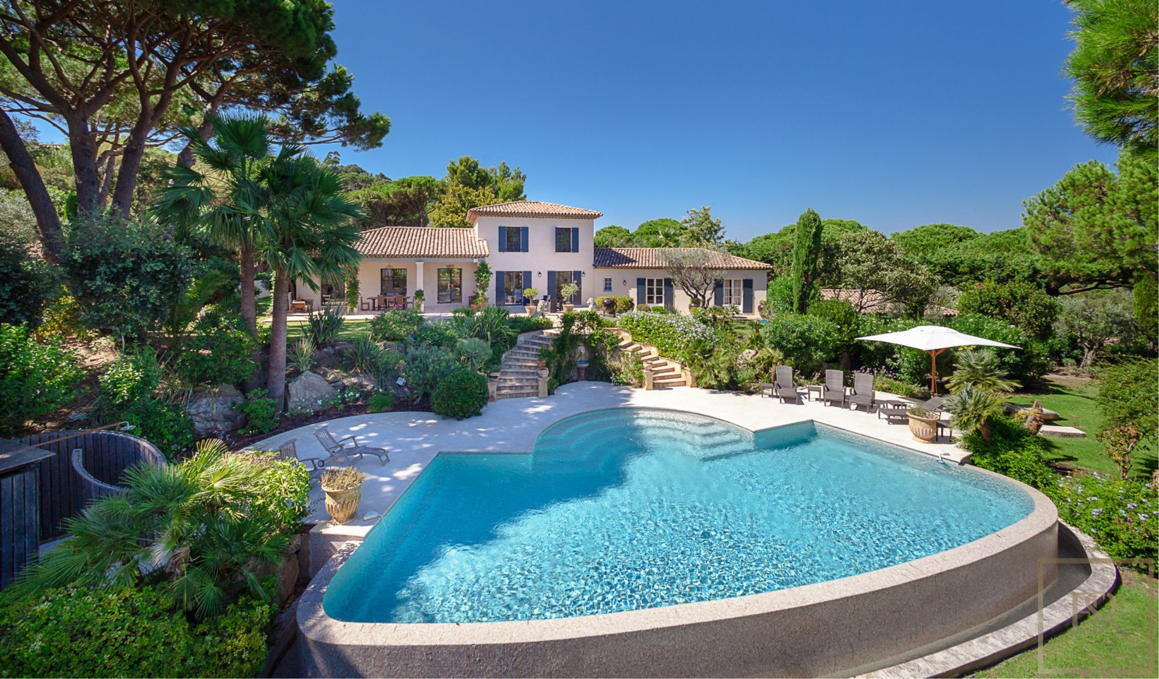 Villa Vineyards & Sea Views - Ramatuelle, French Riviera for sale For Super Rich
