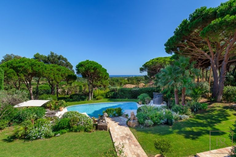 Villa Vineyards & Sea Views - Ramatuelle, French Riviera top for sale For Super Rich