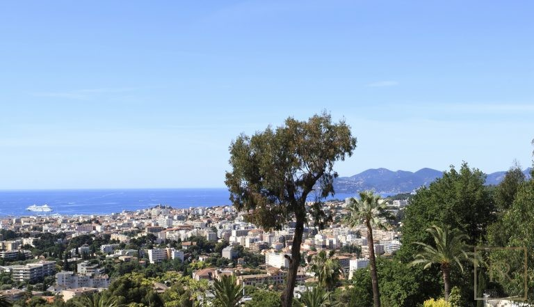 For super rich luxury villa Le Cannet France for rent holiday French riviera