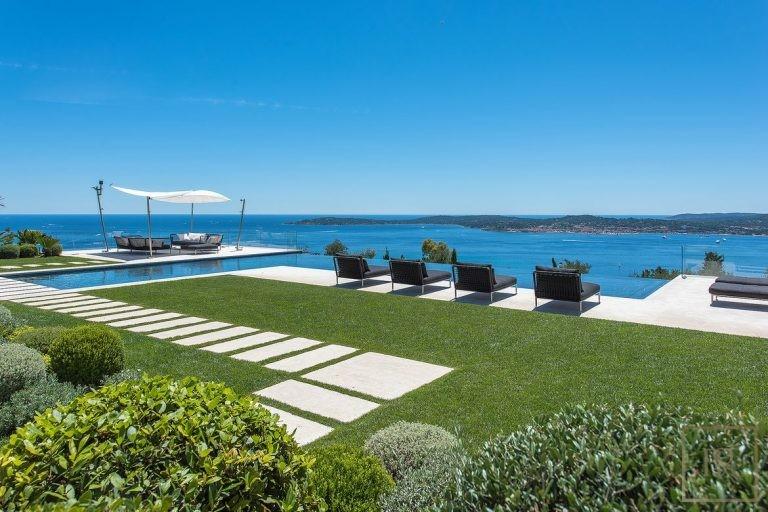 Villa Best View Gulf St-Tropez 6 BR - Grimaud, French Riviera Best View rental For Super Rich