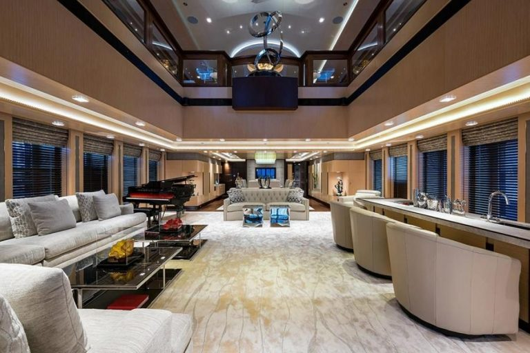 2012 Turquoise Yachts 238' 238 Feets lifestyle for sale For Super Rich