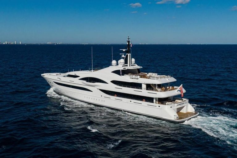 2012 Turquoise Yachts 238' 238 Feets Used for sale For Super Rich
