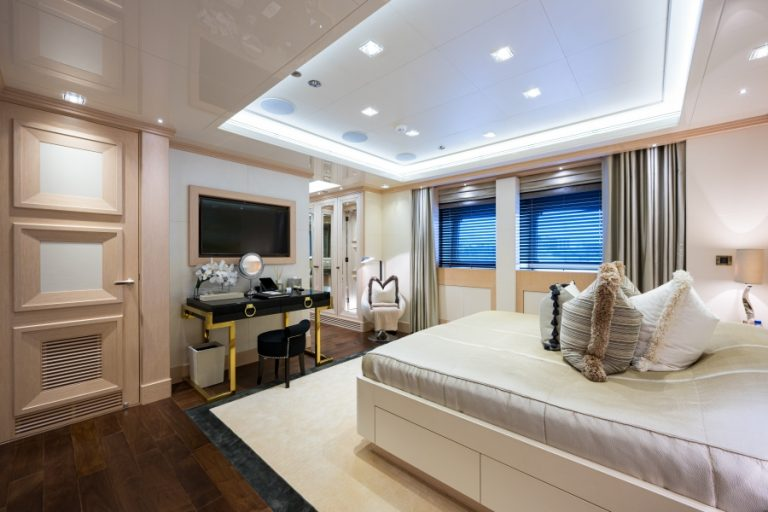 2012 Turquoise Yachts 238' 238 Feets millionaire for sale For Super Rich
