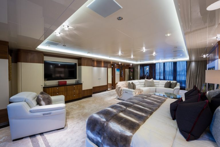 2012 Turquoise Yachts 238' 238 Feets expensive for sale For Super Rich