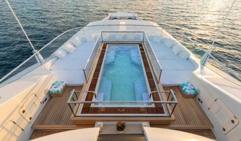 2012 Turquoise Yachts 238' 238 Feets 17 Knots for sale For Super Rich