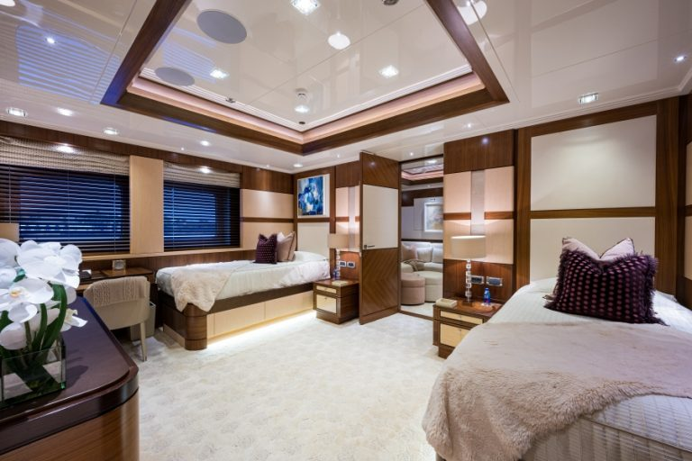 2012 Turquoise Yachts 238' 238 Feets Cayman Islands for sale For Super Rich